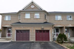 24 Twin Pines Cres