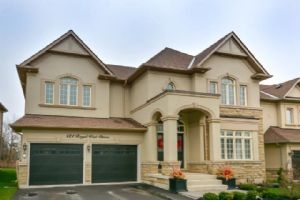 $1,249,900 • 121 Royal West Dr , Credit Valley
