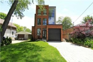 588 Curzon Ave, Mississauga
