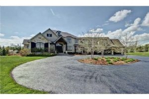 2595 Bluffs Way, Burlington