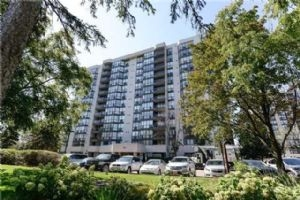 1111 Bough Beeches Blvd, Mississauga