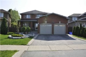 26 Mapes Ave, Vaughan