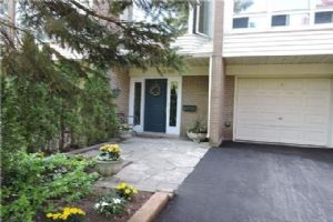 2066 Waters Edge Dr, Oakville