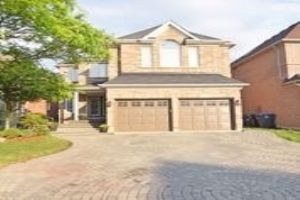 homes for sale in mississauga with basement apartments
