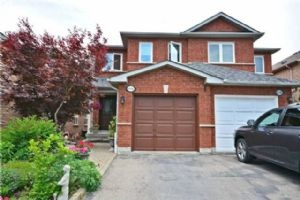 6456 Hampden Woods Rd, Mississauga