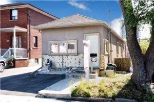 539 Silverthorn Ave, Toronto, Toronto