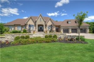 36 Grayfield Dr, Whitchurch-Stouffville