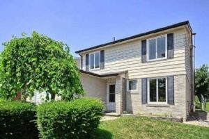 238 Thoms Cres, Newmarket