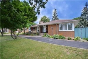 $679,000 • 54 Mcmurchy Ave S