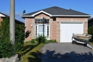 90 Longview Dr, Bradford West Gwillimbury