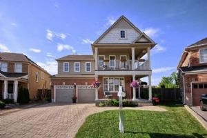 39 Goudie Cres, Whitchurch-Stouffville