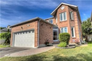 1604 Deerbrook Dr, Pickering