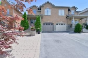 15 Kingly Crest Way, Vaughan