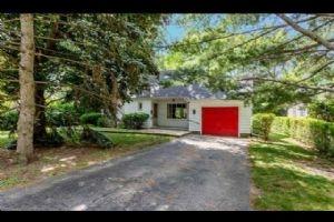 1348 Hollyrood Ave, Mississauga