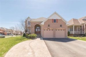 1018 Trail Valley Dr, Oshawa