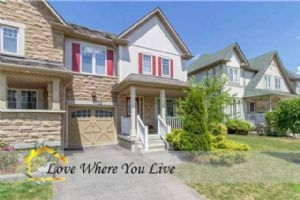 22 Haverhill Cres, Whitby