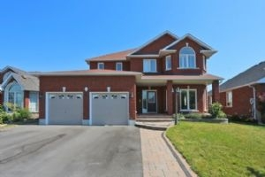 25 Padfield Dr, Clarington