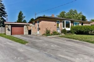 284 Demaine Cres, Richmond Hill