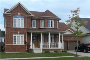 77 The Queensway Dr, Barrie