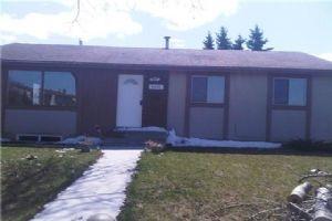 6035 4 AV NE, Calgary