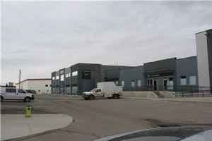 #221 2770 3 AV NE, Calgary