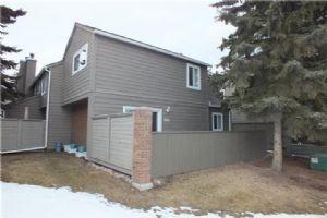 #901 829 COACH BLUFF CR SW, Calgary
