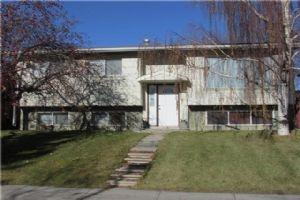 6812 23 AV NE, Calgary