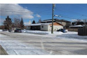 1603 37 AV SW, Calgary