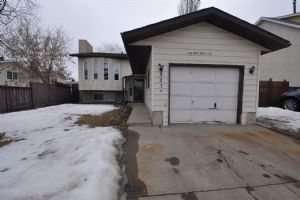 3216 44A Street NW, Edmonton