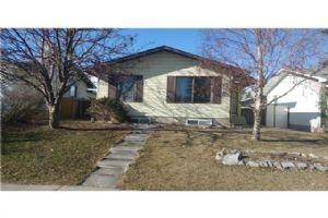 132 PINETREE RD NE, Calgary