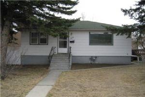 3412 3 ST NW, Calgary