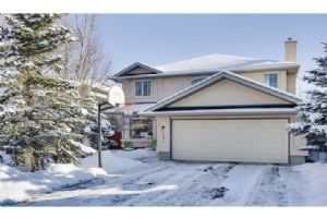 421 SUNLAKE RD SE, Calgary