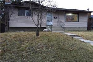 5532 5 AV SE, Calgary