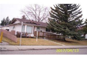 203 Madeira CL NE, Calgary
