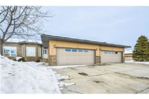 307 SHANNON ESTATES TC SW, Calgary