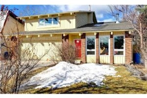 123 WOODMONT DR SW, Calgary