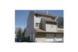 #148 54 GLAMIS GR SW, Calgary