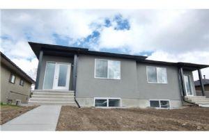 2812 10 AV SE, Calgary