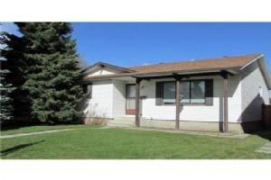 267 RUNDLECAIRN RD NE, Calgary
