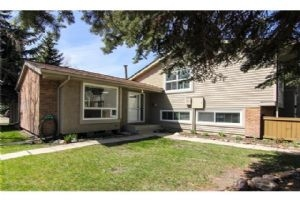#57 123 QUEENSLAND DR SE, Calgary