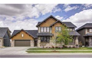 8132 9 AV SW, Calgary