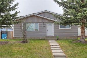188 DOVELY CR SE, Calgary
