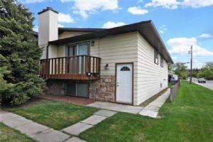 2402 3 AV NW, Calgary