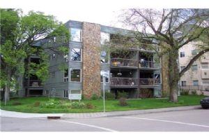 #8 3422 PARKDALE BV NW, Calgary