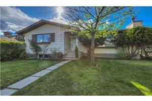 436 WOODSIDE RD SW, Calgary