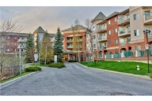 #109 200 LINCOLN WY SW, Calgary