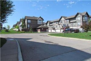 111 NEW BRIGHTON VI SE, Calgary