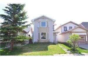 214 MARTINWOOD PL NE, Calgary