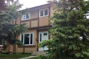 1551 Lakewood Road W, Edmonton