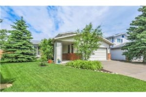 63 WOODMONT RD SW, Calgary